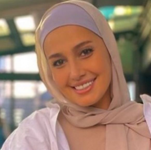 حلا شيحة بالحجاب في احدث ظهور
