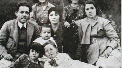 الطفلة شادية مع عائلتها