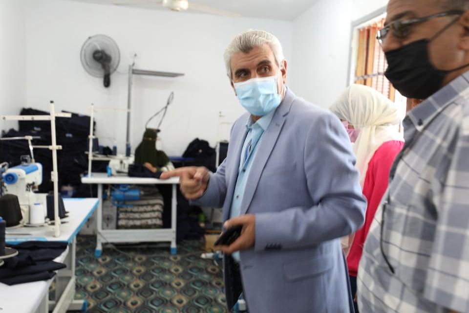 صور جوله رئيس مياه شرب المنيا يتفقد مصنع عروس الصعيد
