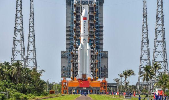 الصاروخ الصيني الخارج عن السيطرة الآن