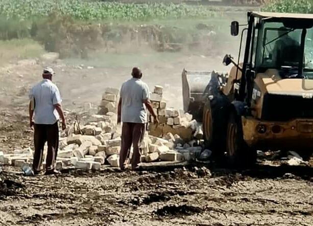 جهودا كبير لإزالة التعديات على الاراضي وتمهيد الطرق بالفيوم