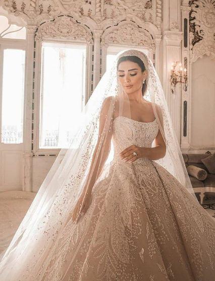 جيسيكا عازار بفستان زفاف ساحر