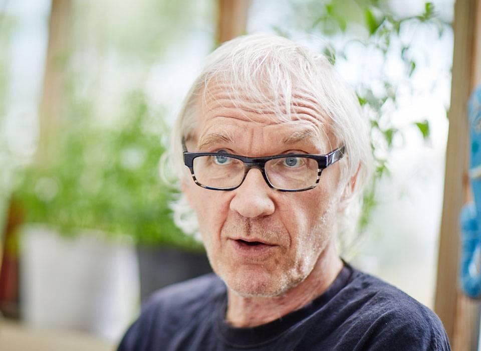 رسام الكاريكاتير السويدي لارش فيلكس صاحب الرسوم المسيئة للرسول