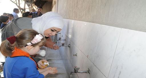 غسل اليدين في المدرسة
