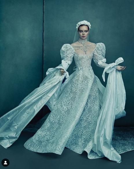 فستان زفاف  من القرن الماضي