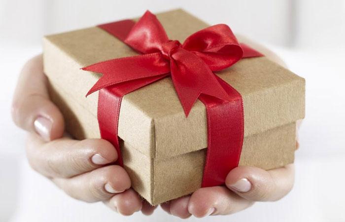 في عيد ست الحبايب .. اختار هديتها على حسب برجها